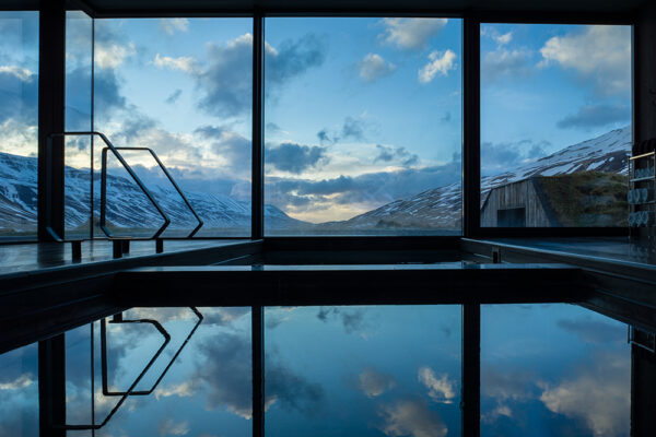 winter pool Atlantik Iceland Bespoke luxury travel FIT DMC PCO